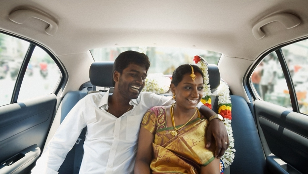 BR-5974_INDIA15_INDIACOUPLE_JM2