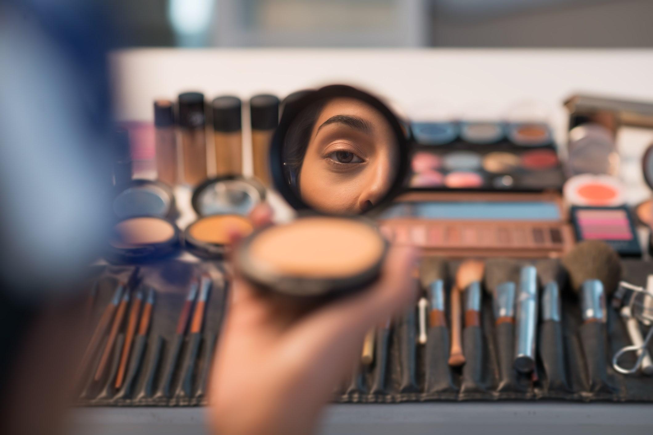 makeup_reflection